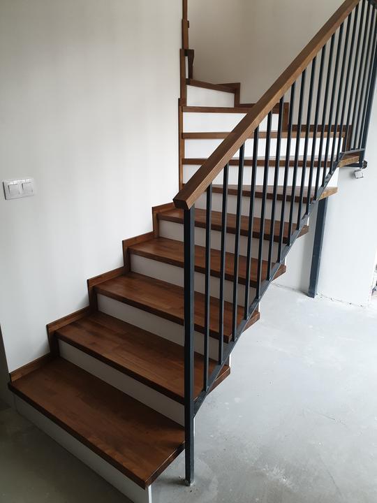 Drevené schody na mieru - BUK - Mezonet -Presov - Obrázok č. 6