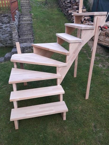 Drevené schody do interiéru - Obrázok č. 1