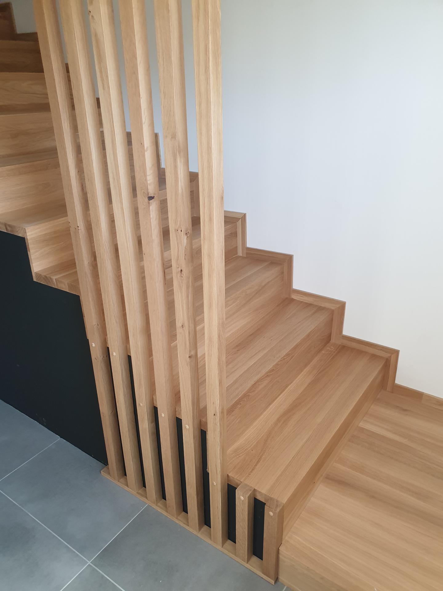 Moderné schodisko - DUB + lamely - Obrázok č. 5