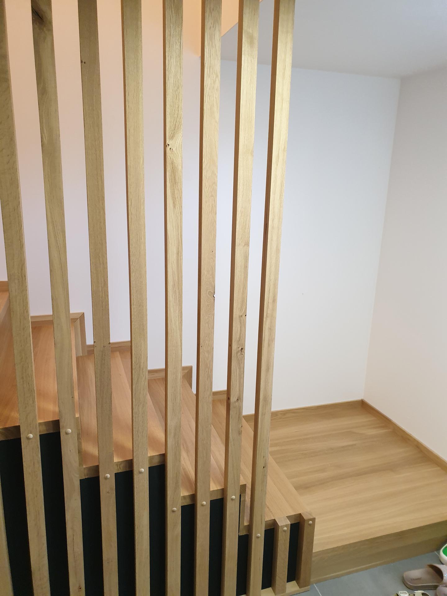 Moderné schodisko - DUB + lamely - Obrázok č. 1