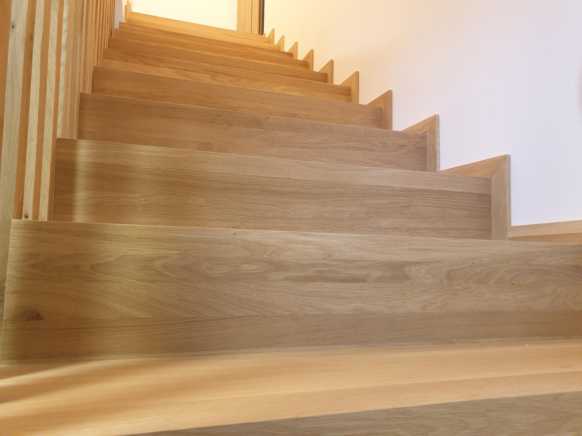 Moderné schodisko - DUB + lamely - Obrázok č. 14