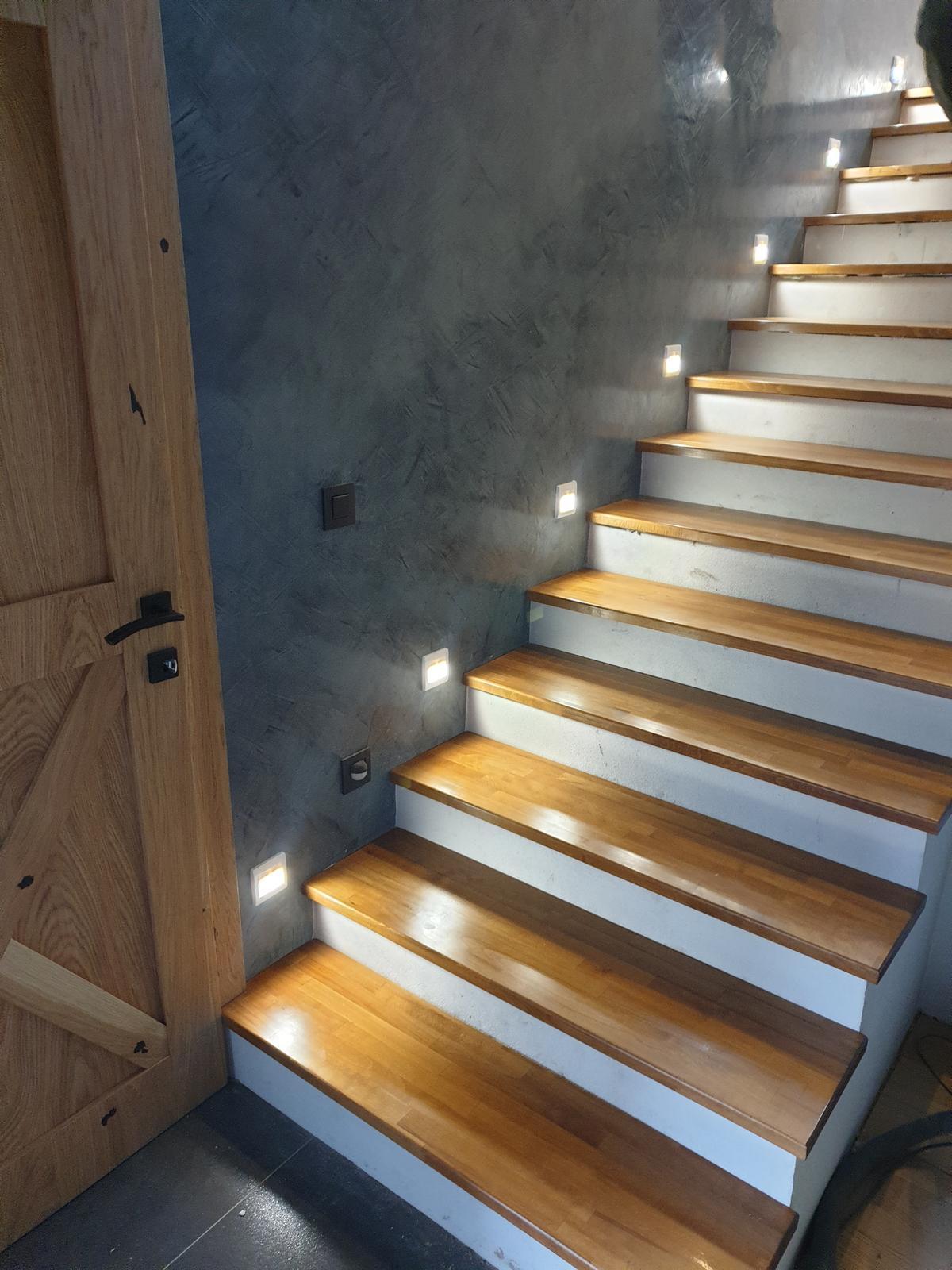 Drevené schody na mieru - BUK - odtieň DUB - Obrázok č. 25