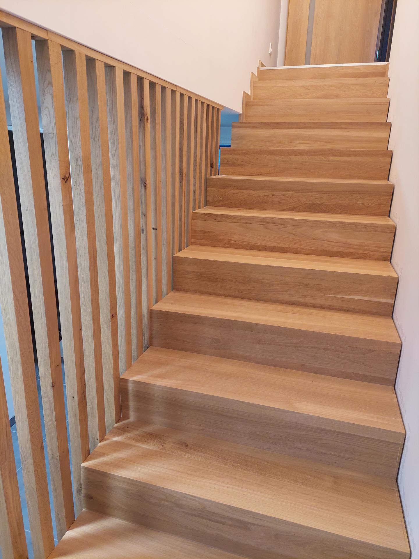 Moderné schodisko - DUB + lamely - Obrázok č. 28