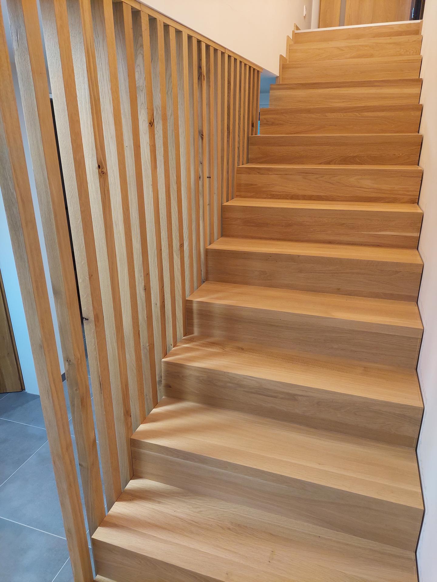 Moderné schodisko - DUB + lamely - Obrázok č. 27
