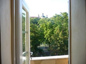 Ze všech oken máme tento krásný výhled