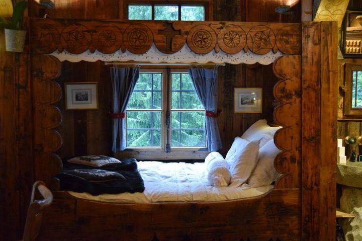 Na chatě u Pejru - kdyby takto někdy vypadala naše patrová postel na chatě, byl by to sen