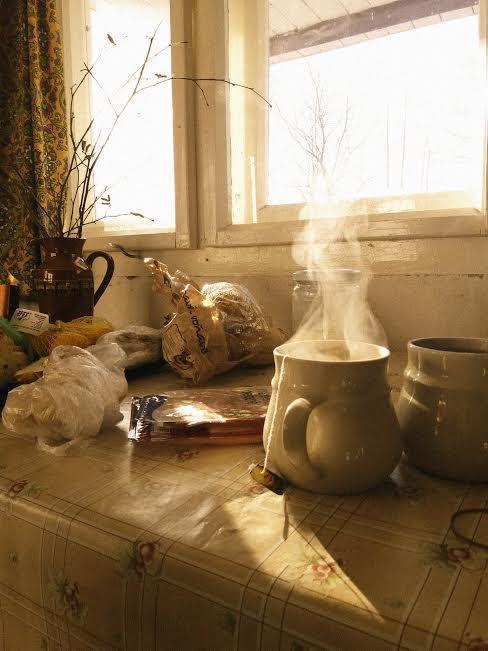 Na chatě u Pejru - ranní čaj a při pohledu z okna zima zima zima