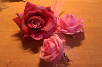 Dnešní nákup, budou s bílými látkovými růžemi na srdci - na autě :) až přijde dotvořím :)