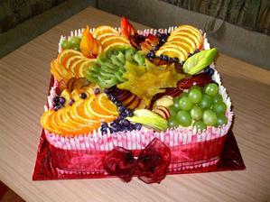 A aby nebyl jen krém, bude i ovocný dortíček :P