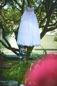 Sněhově bílé svatební šaty - pro malou nevěstu, 40