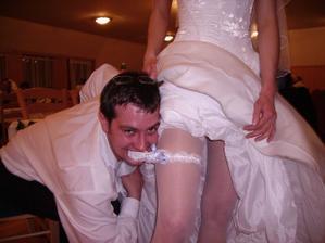 a tohle to dělalo se ženichem když ho nevěsta ukázala