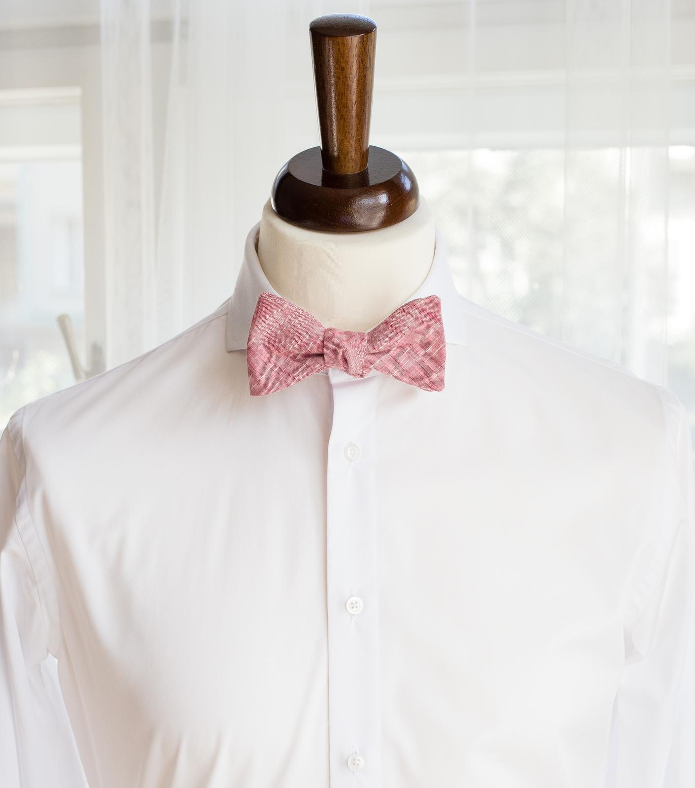 Červená pastelová kolekce kravat a motýlků - Červený pastelový vázací motýlek