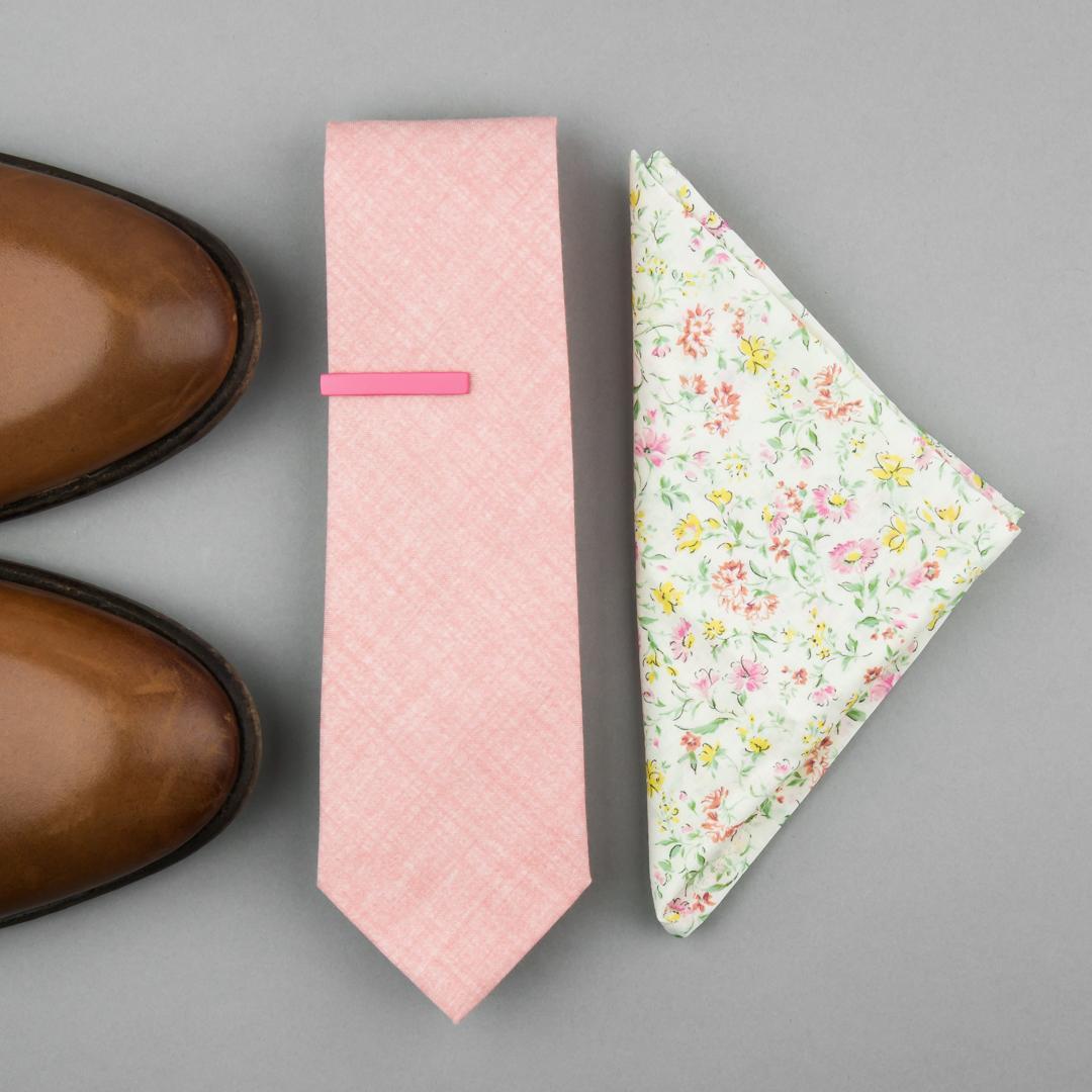 Outfity pro stylového ženicha - Růžová kravata bubibubi ties a kapesníček s květy