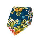 Tmavomodrá kravata s květy,