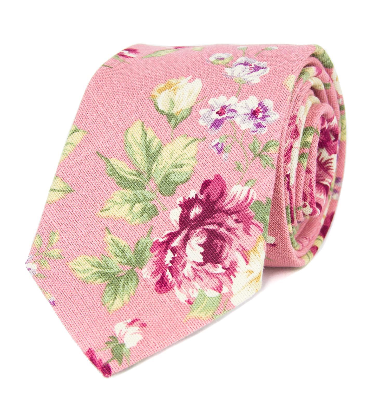 Růžová kravata s květy - Obrázok č. 1