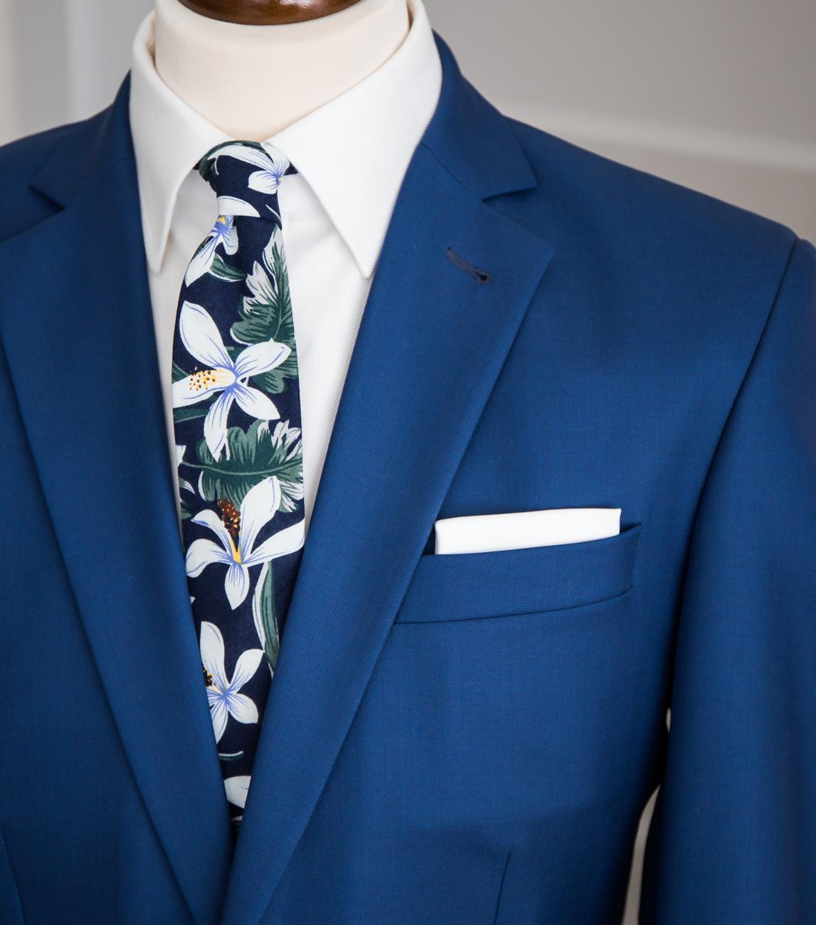 Tmavomodrá kravata s květy - Obrázek č. 2