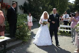 nevěsta s bráškou