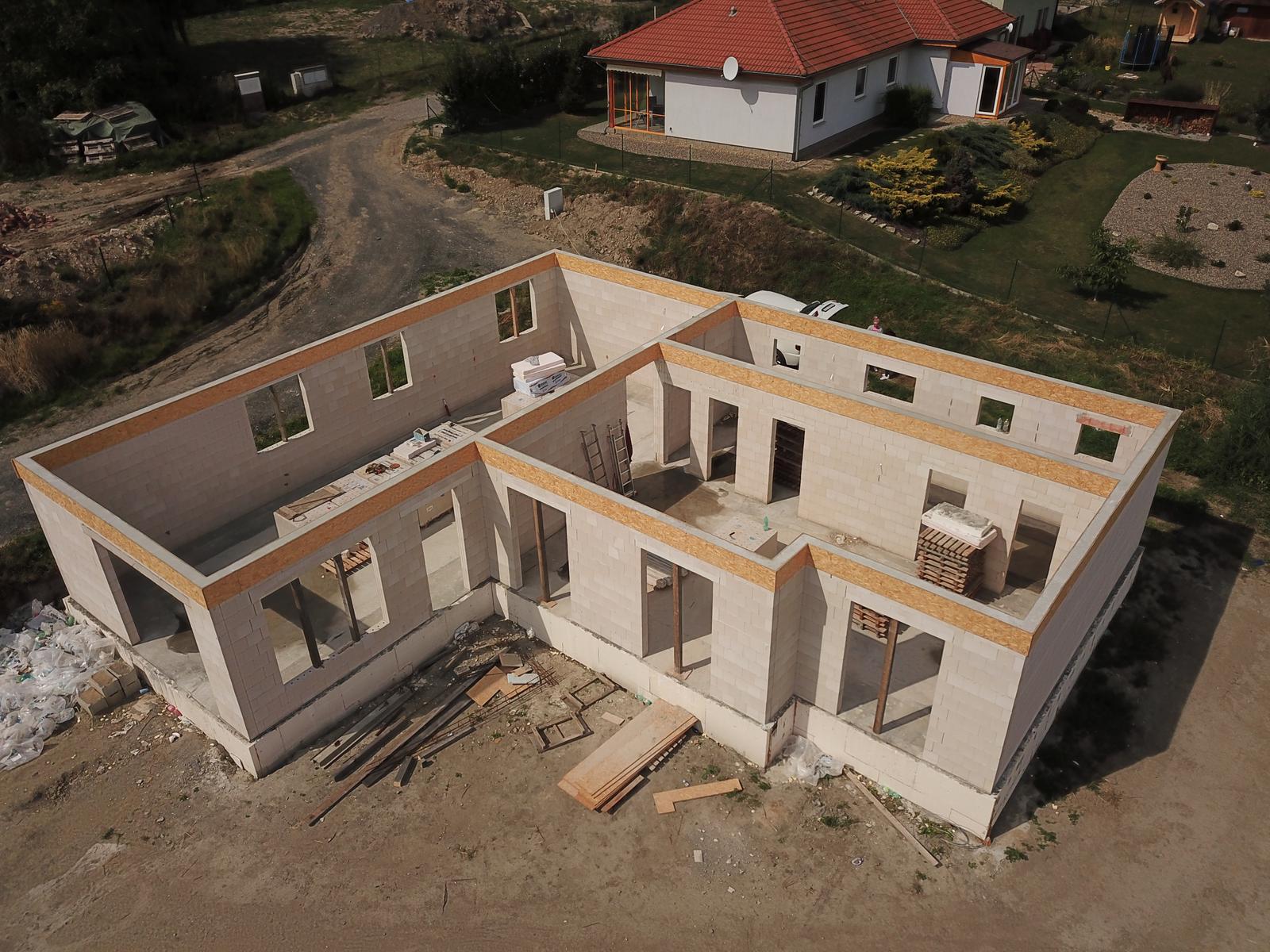Bungalov s plochou střechou - Obrázek č. 90