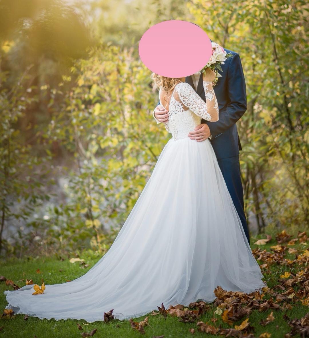 Svatební šaty champagne barva s krajkou a rukávy - Obrázek č. 1