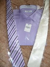 košile je už doma a kravata taky, ale ještě nevím přesně která, ale asi ta krémová, aby ladila k obleku