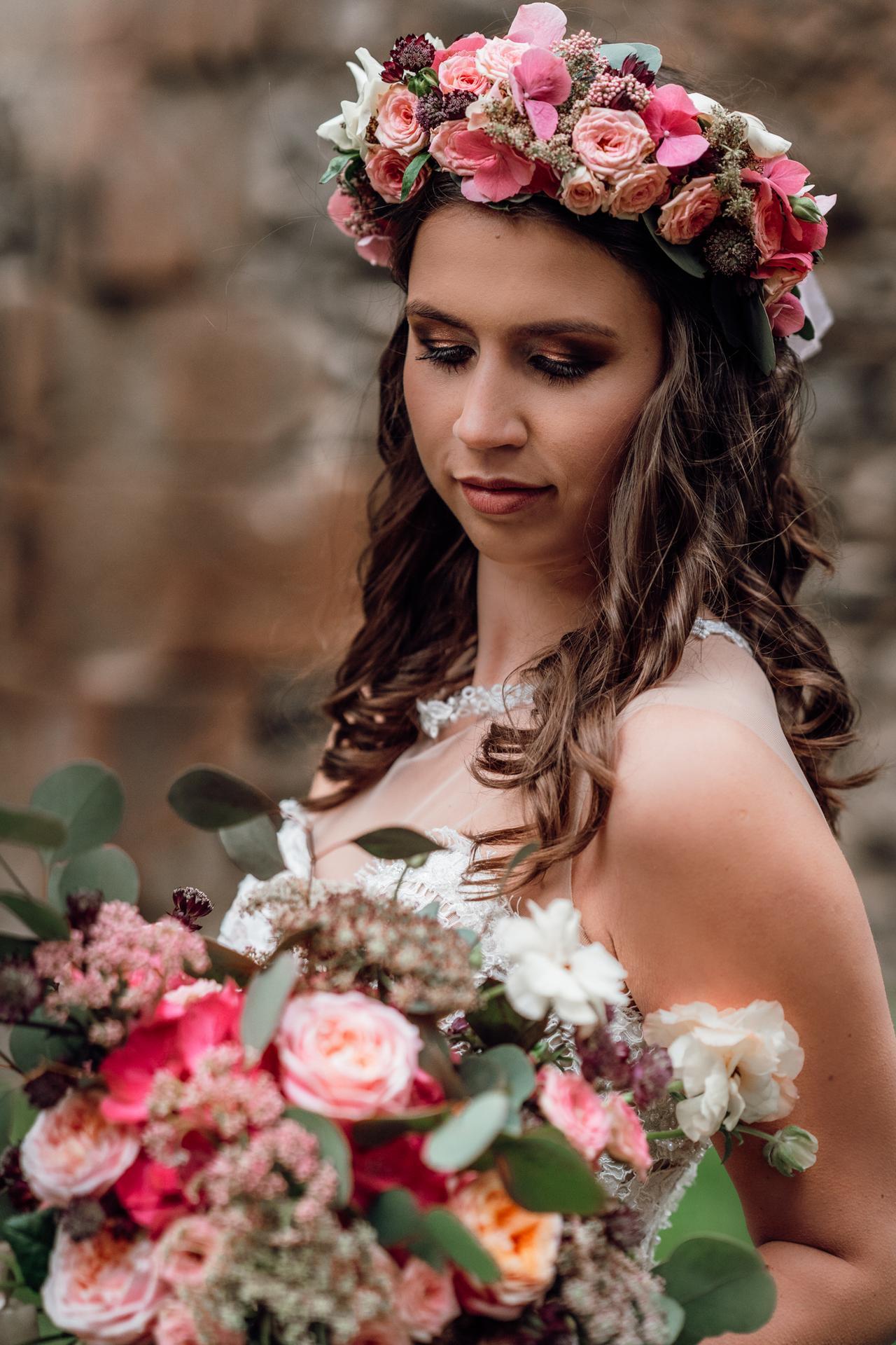 Svatební líčení a účes - Obrázek č. 3
