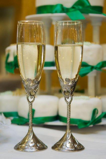 Soňa {{_AND_}}Ľubino - Moje krásne svadobné poháre z USA, som rada že prežili cestu na Slovensko :)
