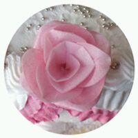 detail růžičky na dortu