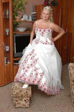 nevěsta oblečená