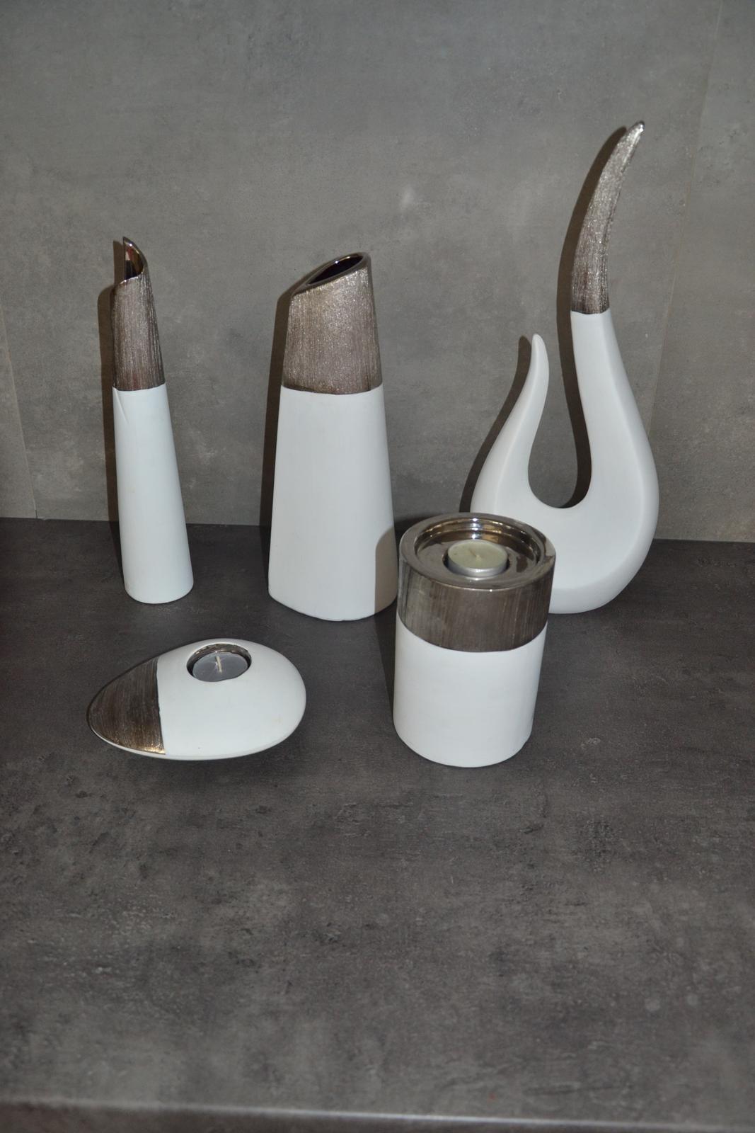 Bílá váza, svícen - sada  - Obrázek č. 1