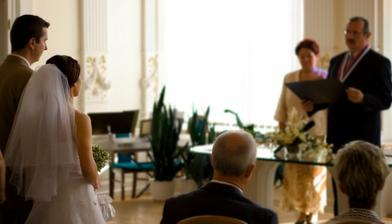 ceremoniál bol nádherný...aj so slniečkom :)