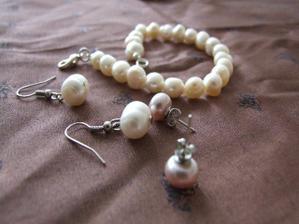 Moje pravé perly. nahrdelník se půjčím starobylý, po kamaradčině babičce