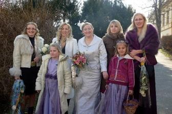 se 4 sestřičkami-kolegiňkami a družičkami
