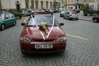 Autíčko nevěsty. :)