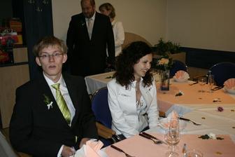 Bratr nevěsty Zdenek s přítelkyní Kristýnou. :)