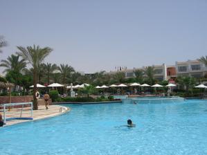 Hotelový bazének. :)