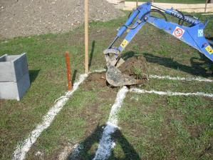 prvý vykop 15.04.2011