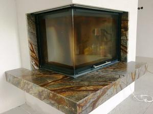 detail na kamen, granit Rain forest brown