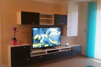 Obyvackova zostava s TV (a zatial aj s interierovou antenou)