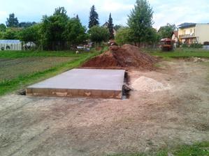 Zakladova doska pre garaz dokoncena