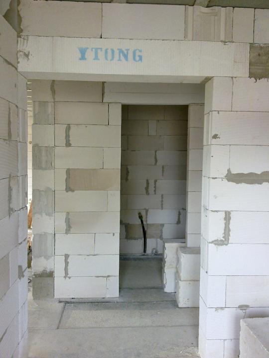 Murovanie - Pohlad z vchodu na technicku miestnost