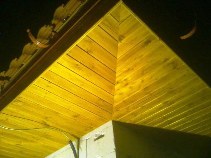 Hruba stavba a strecha finito - uz LEN dokoncujeme :) - Dnes o 21:00 bolo podbitie dokoncene! :-) Takto vyzera posledny roh.