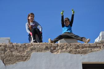 Aj deti chceli fotku na budúcej streche :-)