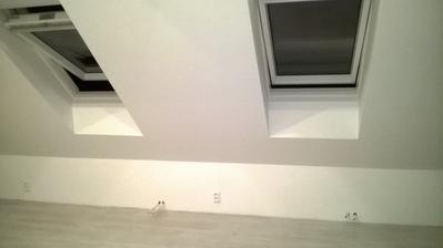 chlapčenská izba vo fáze maľovania