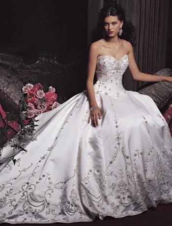 Svadobné šaty, čo sa mi páčia :) - tieto šaty sa mi páčia. Čo si o nich myslíte?