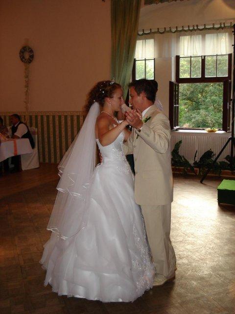 Zlatica Kurillová{{_AND_}}Peter Biroš - svadobný tanec
