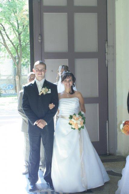 Lucka{{_AND_}}Slavko - A je to tu... náš svadobný deň :-)