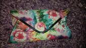Kvetinova kabelka, 24