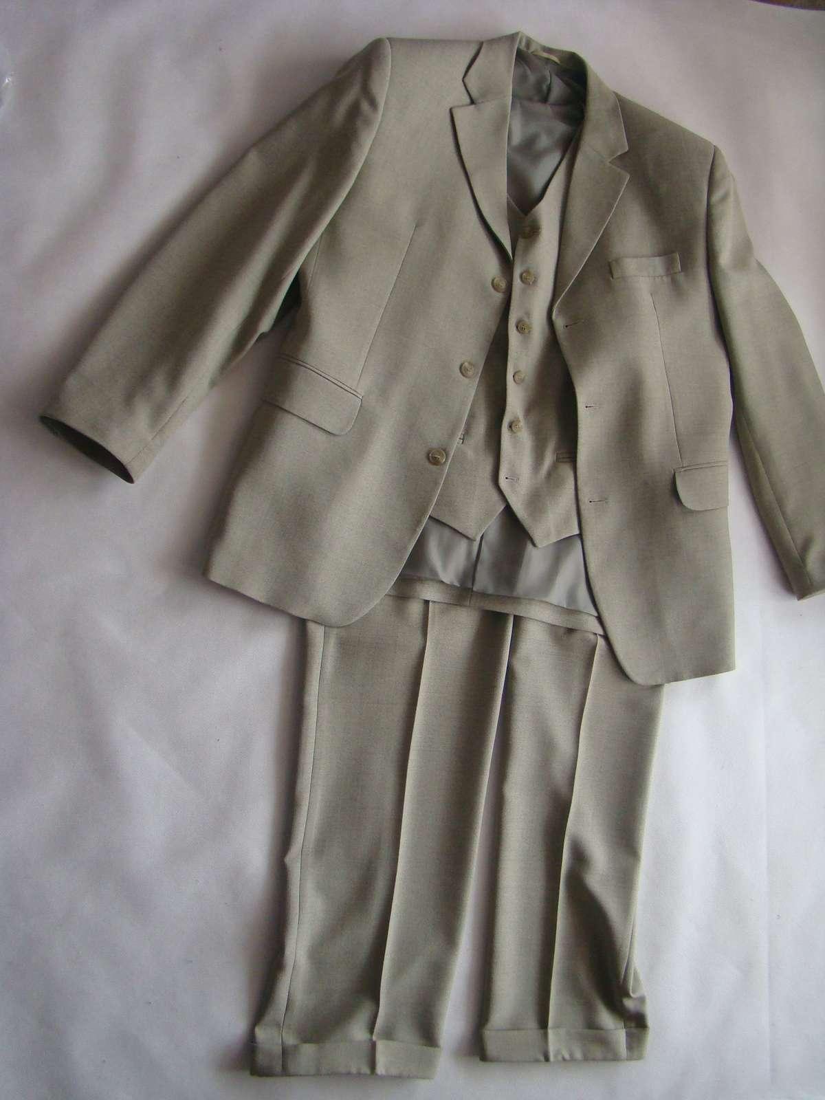Zánovny pánsky oblek - Obrázok č. 1