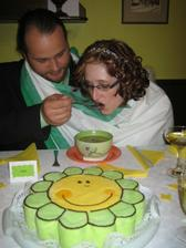 my u polévky a před námi náš svatební dort