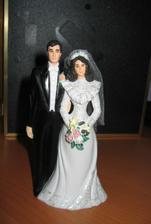 """Tak tyhle jsem vybrala a dostala od kamosky Moniky ;-) jeste si je nechavam """"upravit"""" - tzn. namalovat kytky na lila a bilou, jak to chceme na svatbe mit ;-)"""
